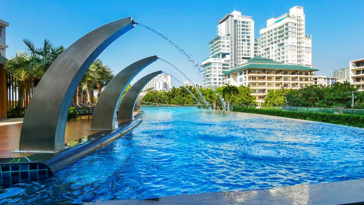 Peak Towers near Cozy Beach - Condominium -  -